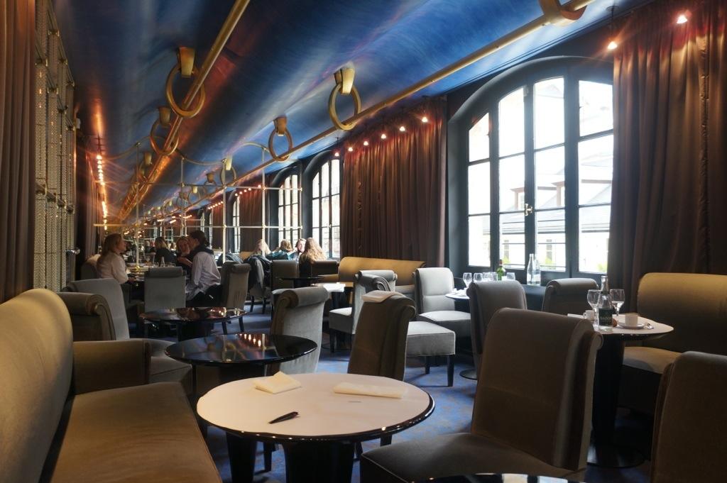Cafe Esplanade Paris