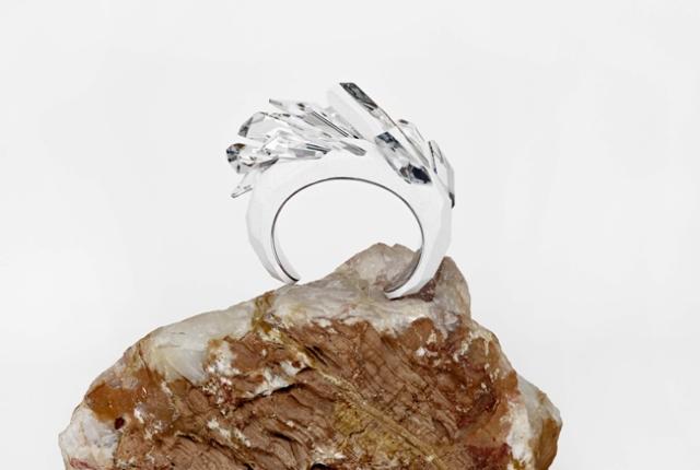 20130729_01_The-Maison-Martin-Margiela-for-Atelier-Swarovski-Bracelet