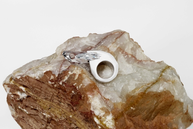 20130729_03_The-Maison-Martin-Margiela-for-Atelier-Swarovski-Ring