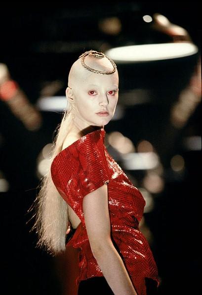 Tbt Mcqueen S 1998 Joan D Arc Show