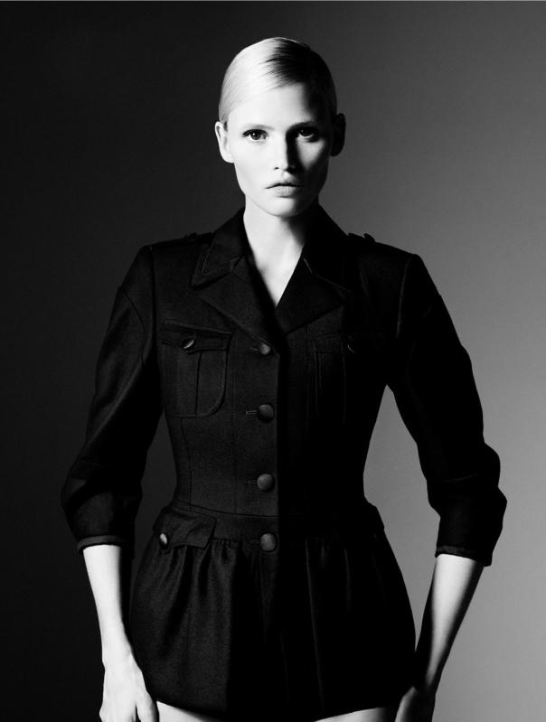 ine-neefs-lara-stone-by-willy-vanderperre-for-system-magazine-4-fall-winter-2014-22