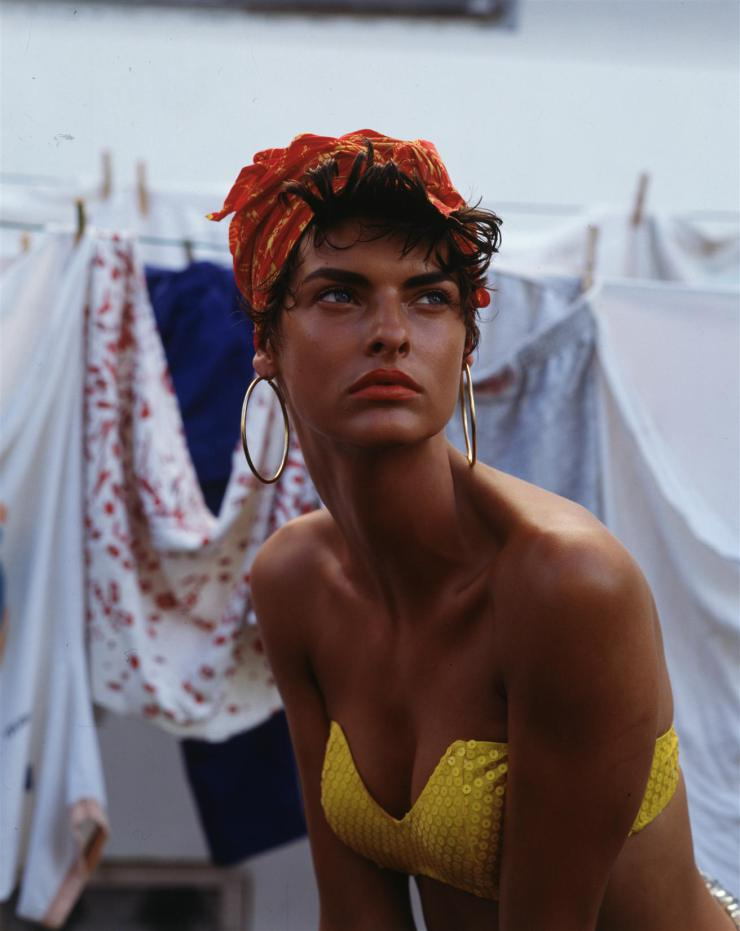 linda-evangelista-by-steven-meisel-for-vogue-italia-february-1989-6