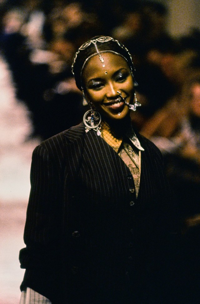 JEAN-PAUL-GAULTIER-SPRING-1994-RTW-DETAIL-61-NAOMI-CAMPBELL