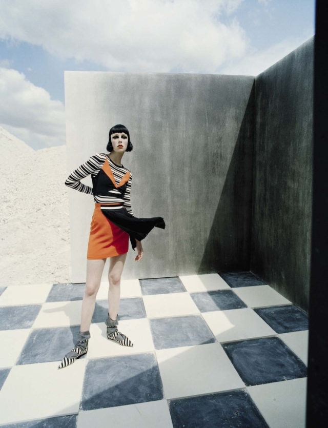 edie-campbell-by-tim-walker-fore-vogue-italia-december-2015-101