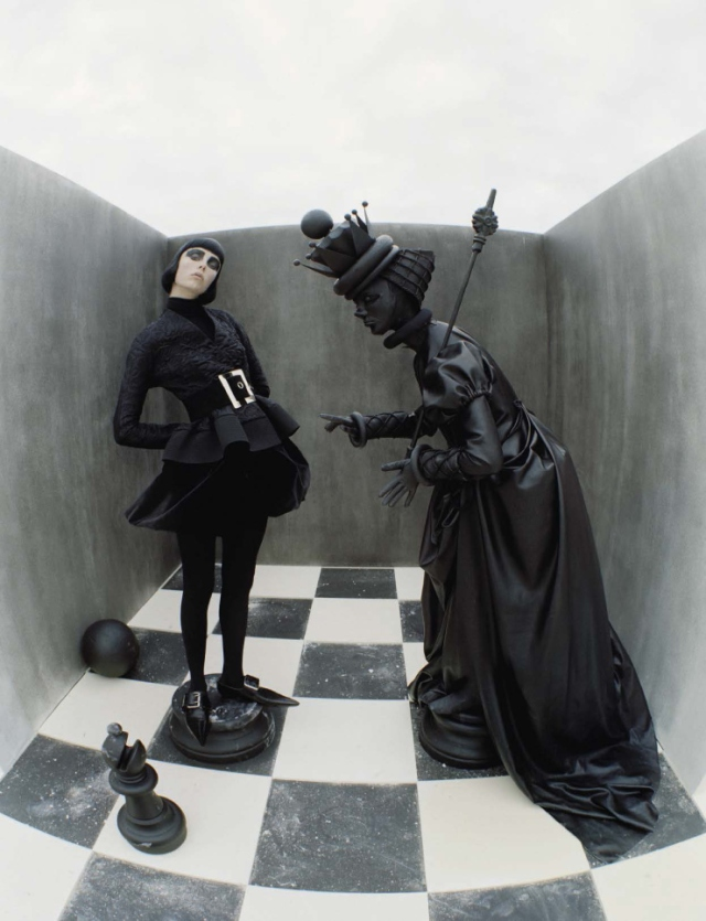 edie-campbell-by-tim-walker-fore-vogue-italia-december-2015-141