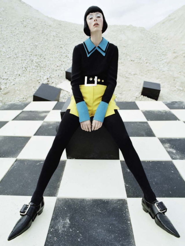 edie-campbell-by-tim-walker-fore-vogue-italia-december-2015-151