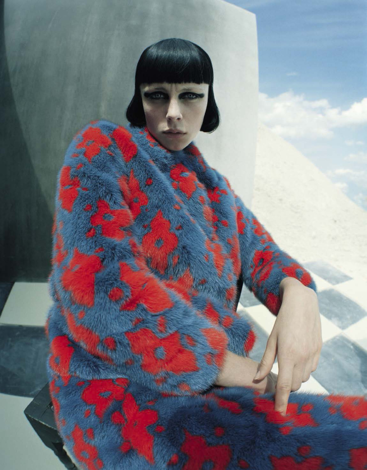 edie-campbell-by-tim-walker-fore-vogue-italia-december-2015-16