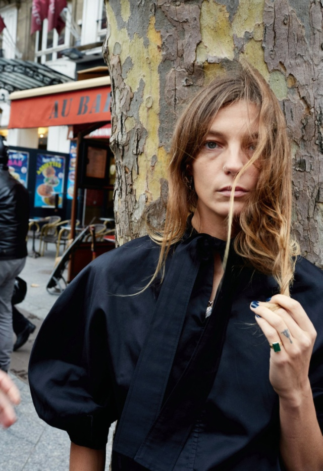 daria-werbowy-by-juergen-teller-for-pop-magazine-spring-summer-2016-3