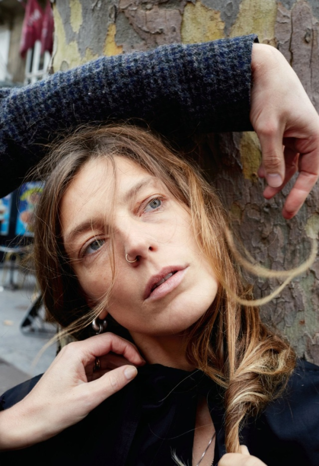 daria-werbowy-by-juergen-teller-for-pop-magazine-spring-summer-2016-5