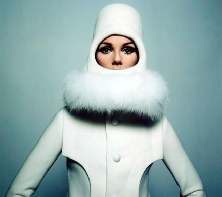 Raquel Welch in Pierre Cardin