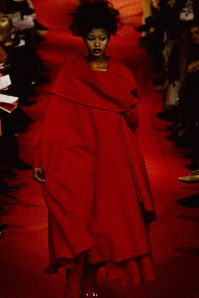 vivienne-westwood-fall-1993-rtw-19-naomi-campbell