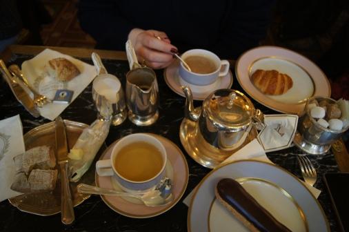 Tea, coffee, merci.