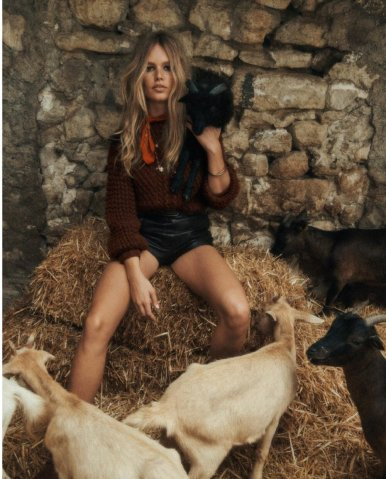 Anna+Ewers+by+Lachlan+Bailey+for+Vogue+Paris+Nov+2019+(17)